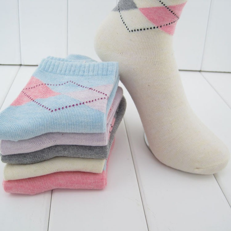 High Quality Rhombus Design Women Socks